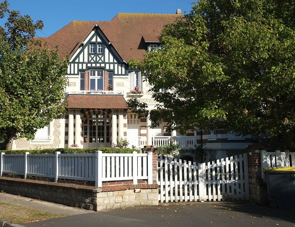 Villa Les C Ef Bf Bddres  Avenue De Verdun  Croissy