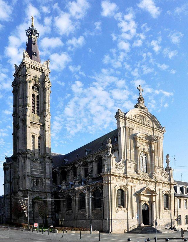 Bon Vendredi 640px-Cambrai_Cath%C3%A9drale_21_11_09_08-2