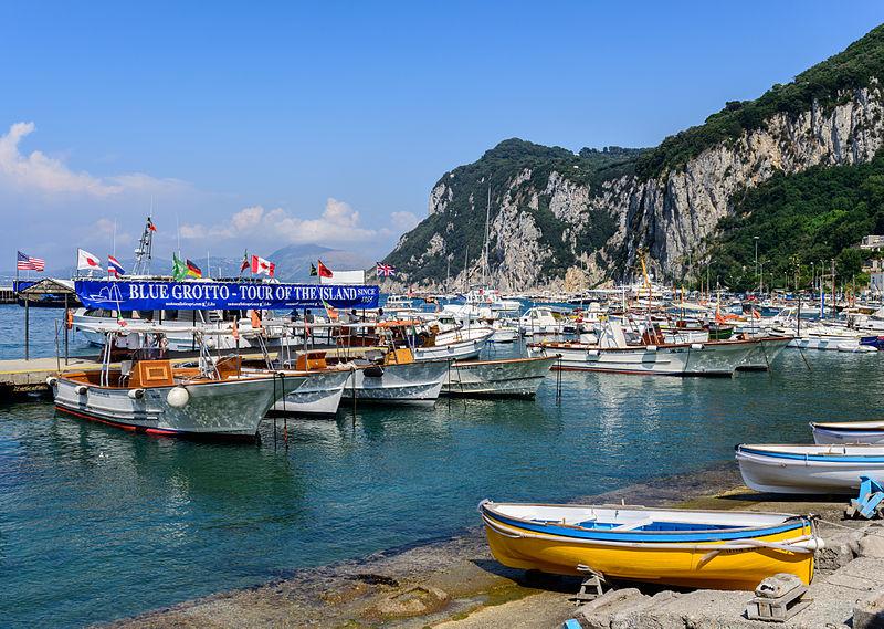 File:Capri island - Campania - Italy - July 12th 2013 - 14.jpg