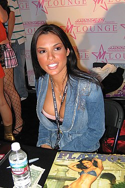 2004 Playmate of the Year Carmella DeCesare meets with fans