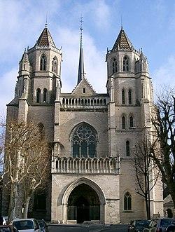 Cathédrale St Bénigne - Dijon.jpg
