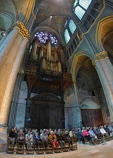 Les orgues (instrumentS) - Page 6 220px-Cath%C3%A9drale_de_Reims_%E2%80%94_Orgue