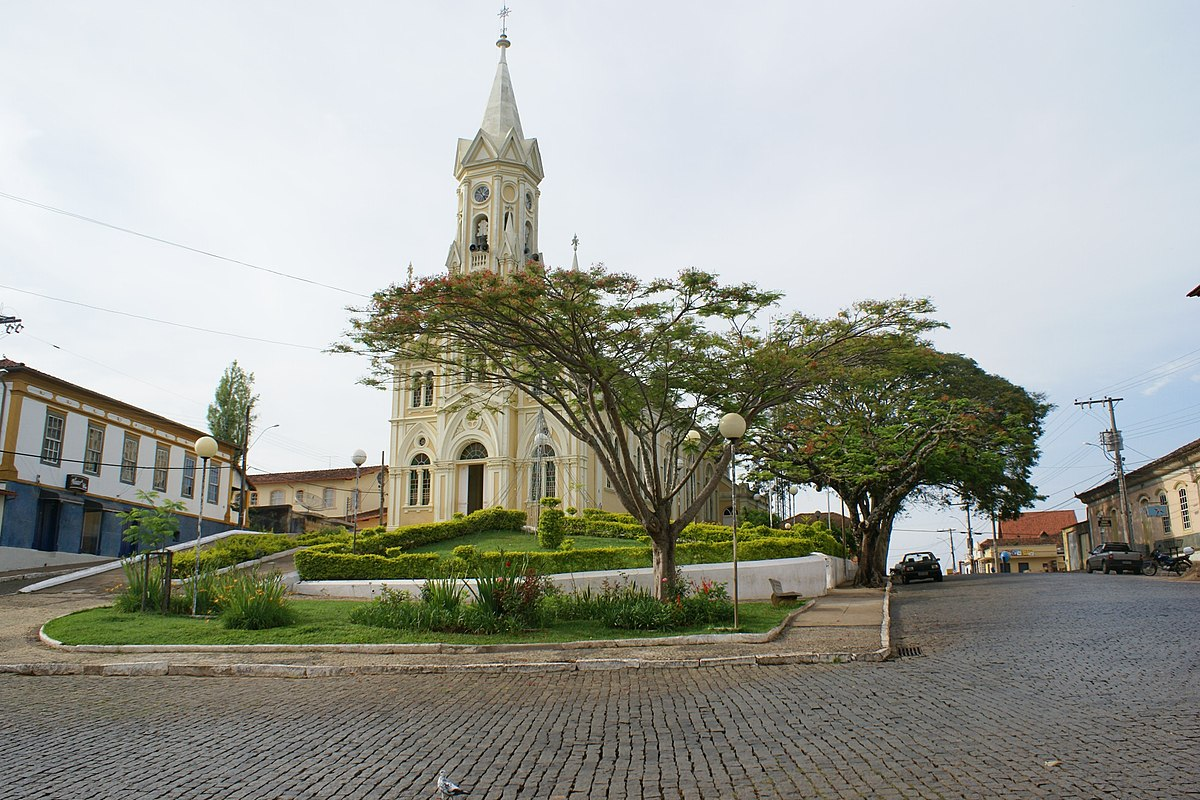 Desterro de Entre Rios Minas Gerais fonte: upload.wikimedia.org