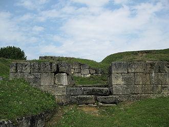Dacian Fortresses of the Orăștie Mountains - Image: Cetatea Blidaru 2