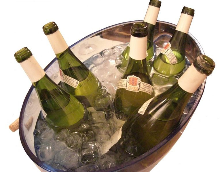 File:Chilling Dauvissat wine an ice bath.jpg