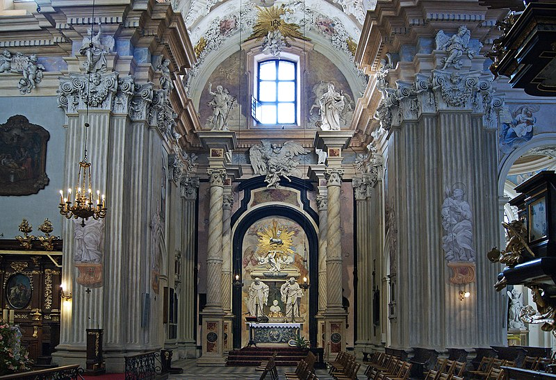 File:Church of St. Anne, grave of St John Cantius , 13 sw. Anny street, Old Town, Krakow, Poland.jpg