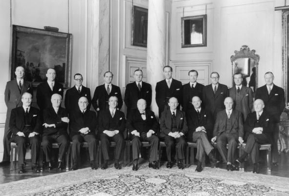 Churchillcabinet1955