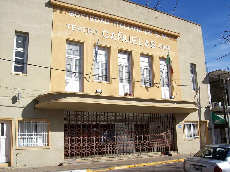 File:Cine y teatro Cañuelas.jpg