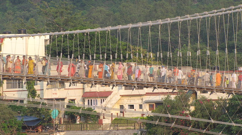 File:Close up of Pilgrims on Ram Jhula bridge, Rishikesh.jpg
