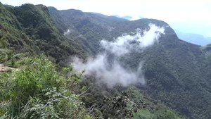 File:Cloud at World's End (Horton Plains).webm