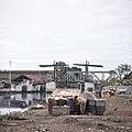 Collectie NMvWereldculturen, TM-20027602, Dia, 'Onderkomens van mensen die naar de stad zijn getrokken om een nieuw bestaan op te bouwen', fotograaf Boy Lawson, 1971.jpg