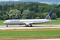 Continental Airlines Boeing 767-400; N69059@ZRH;16.07.2010 583bp (4799586161).jpg