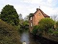 Cottage on River, Hungerford - geograph.org.uk - 6291.jpg