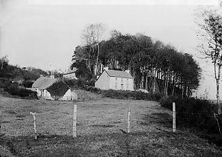 Cottages, Llanynybydder