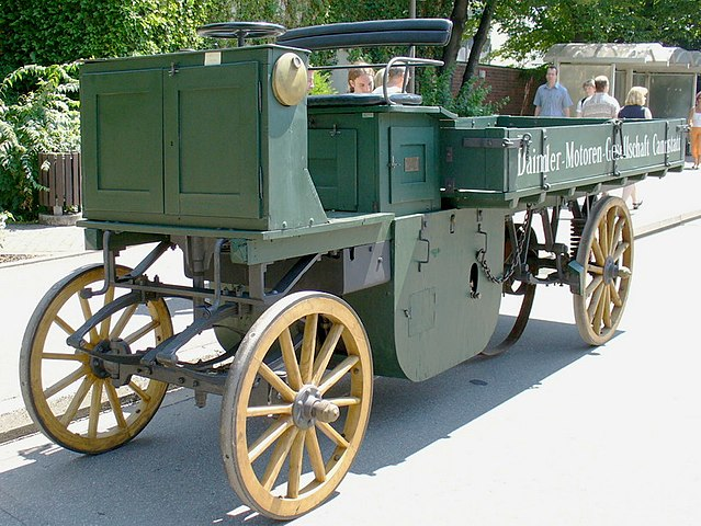 639px-DMG-lastwagen-cannstatt-1896.jpg
