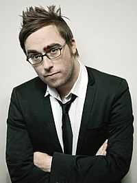 Danny Wallace (humorist) - Wikipedia, the free encyclopedia