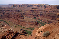 Blick vom Dead Horse Point Overlook auf den Colorado