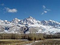 Demirkazik Crest of Aladag Mountains in Nigde Turkey.jpg