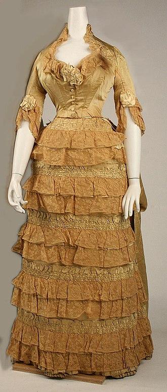 Jacques Doucet (fashion designer) - Image: Dress MET C.I.37.59.1ab F