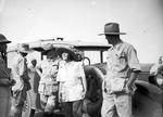 ETH-BIB-Baron Rothschild im Gespräch mit Mr. and Mrs. Martin Johnson-Kilimanjaroflug 1929-30-LBS MH02-07-0303.tif