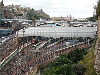 Edinburgh Waverley railway station - View of Edinburgh Waverley from the east