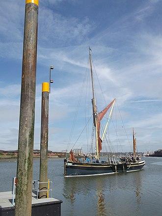 Edith May - Edith May coming toward Sun Pier Chatham