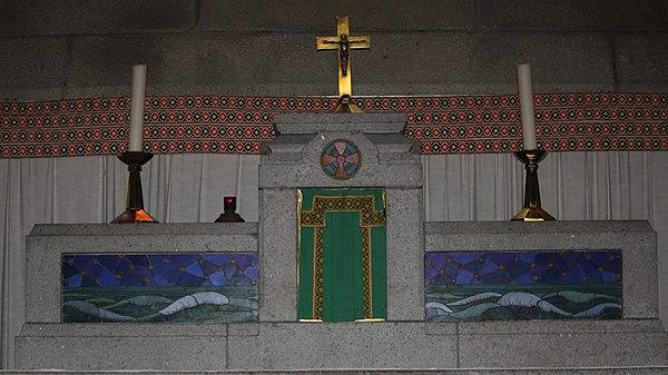 Eglise St Remi Maitre-autel.jpg