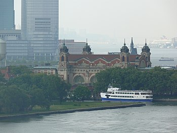 English: Ellis Island, at the mouth of the Hud...