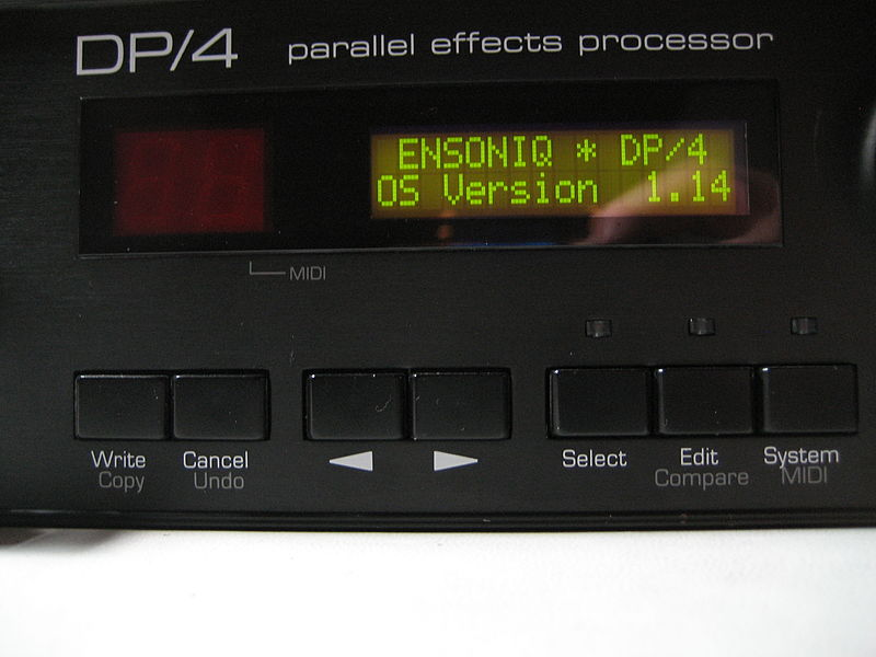 File:Ensoniq DP4 display.jpg
