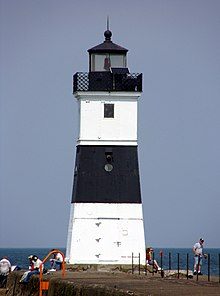 Erie Harbor North Pier Light.jpg