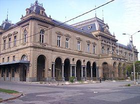 """Estación Central """"General Artigas"""" inaugurada el 23 de junio de 1897 y clausurada el 1º de marzo de 2003, reemplazada por un apeadero 500 metros hacia el norte."""