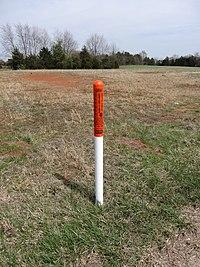 Fiber optic cable marker; Nokesville, VA; 2014-04-13.jpg