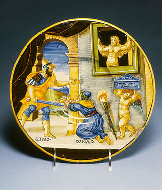 """Lynceus of Argos - Hypermnestra watching Lynceus take her father's crown; Cupid holds up the motto """"Love Conquers All"""" (maiolica plate, 1537, by Francesco Xanto Avelli)"""