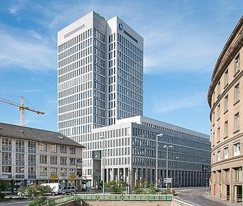 Frankfurt.Maintor Porta.20150605.jpg