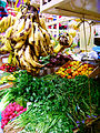 Frutas y vegetales de México en mercado.jpg