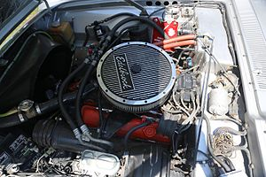 Chevrolet small-block engine - A Small Block 400ci V8 in a 1975 Avanti II