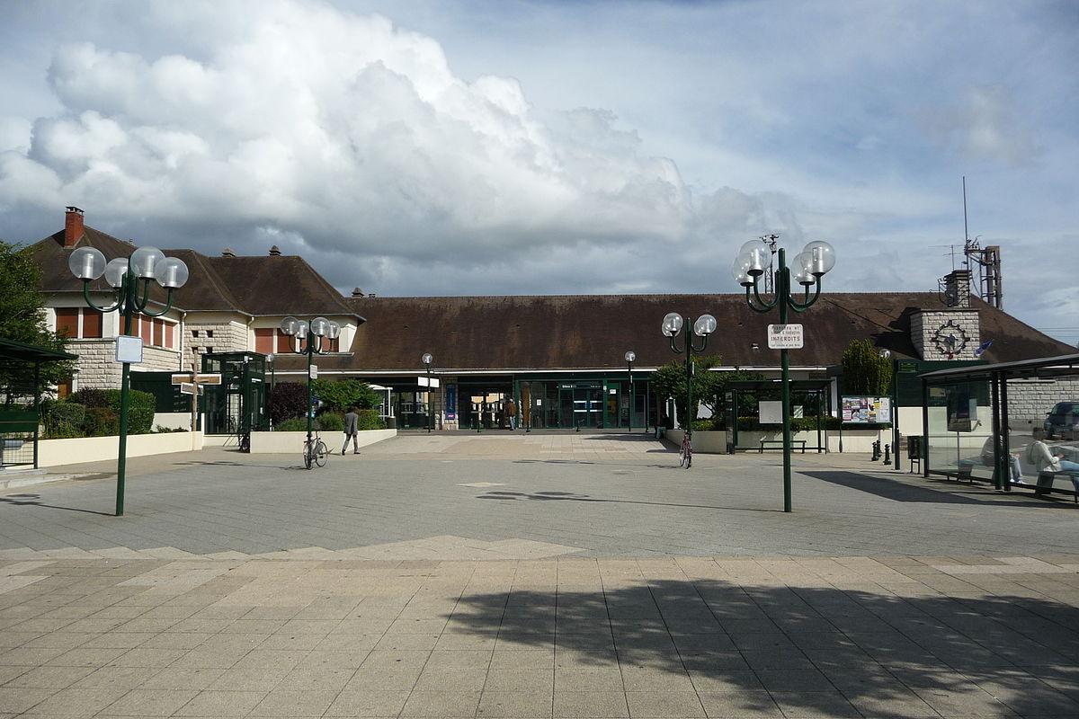 Gare Sncf Ville La Plus Proche De Langeais