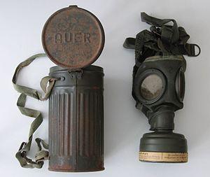 300px-Gasmaske1941_res.jpg