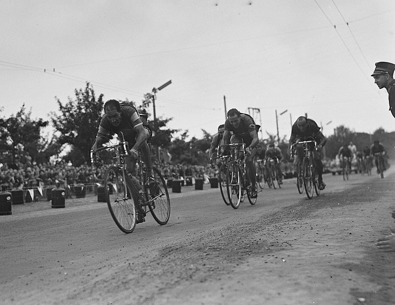 File:Gino Bartali, Hugo Koblet and Fiorenzo Magni, Stage 2, Tour de France 1953.jpg