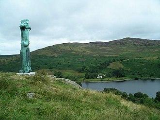Upright Motive No. 1: Glenkiln Cross - Image: Glenkiln Cross , by Henry Moore geograph.org.uk 223434