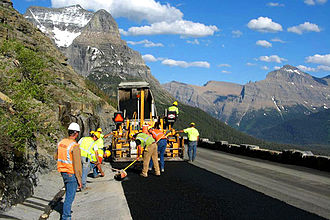Going-to-the-Sun Road - Repair crew