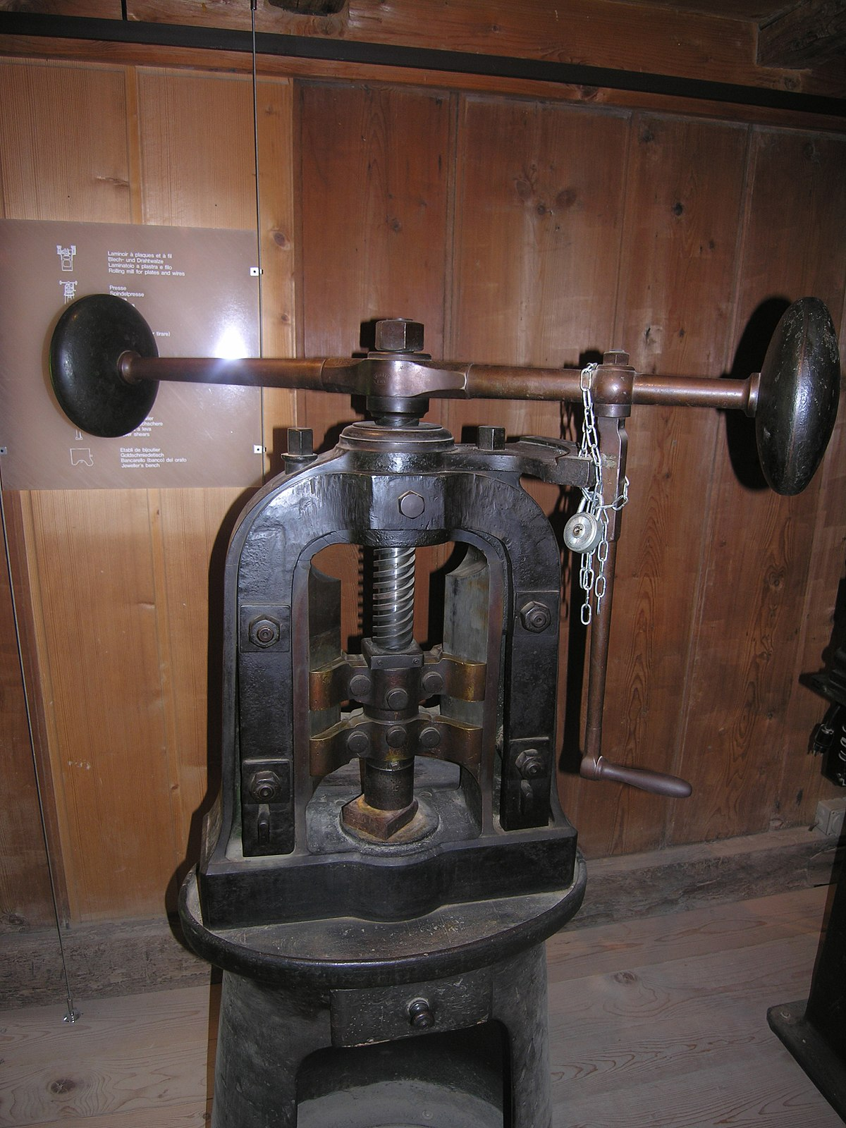 die pressing machine