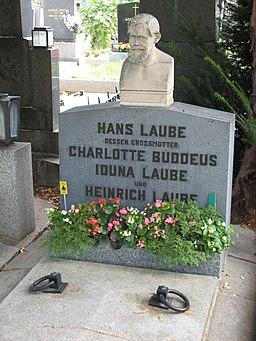 Grab von Heinrich Laube