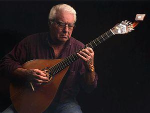 Gilberto Grácio - Gilberto Grácio and the guitolão