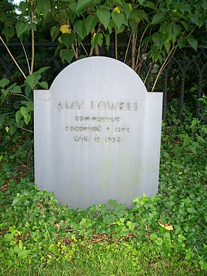 English: Grave of American poet Amy Lowell in ...