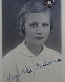 Grete Mosheim's 1936 Hungarian passport photo