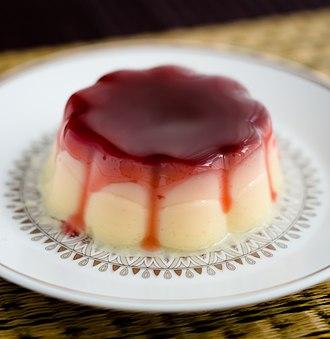 Semolina - Dutch semolina pudding (griesmeelpudding) with a redcurrant sauce