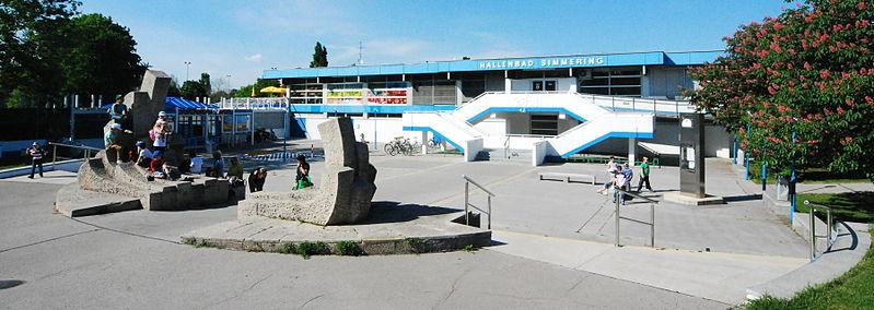 File:GuentherZ 2012-05-09 0115 Wien11 Florian-Hedorfer Strasse SimmeringerBad.jpg - Wikimedia Commons