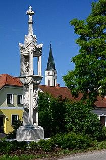 GuentherZ 2014-06-01 (3) Guntersdorf Lichtsaeule Zigeunerkreuz.JPG