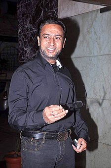 Gulshan Grover at Nari Hira's birthday bash 10.jpg